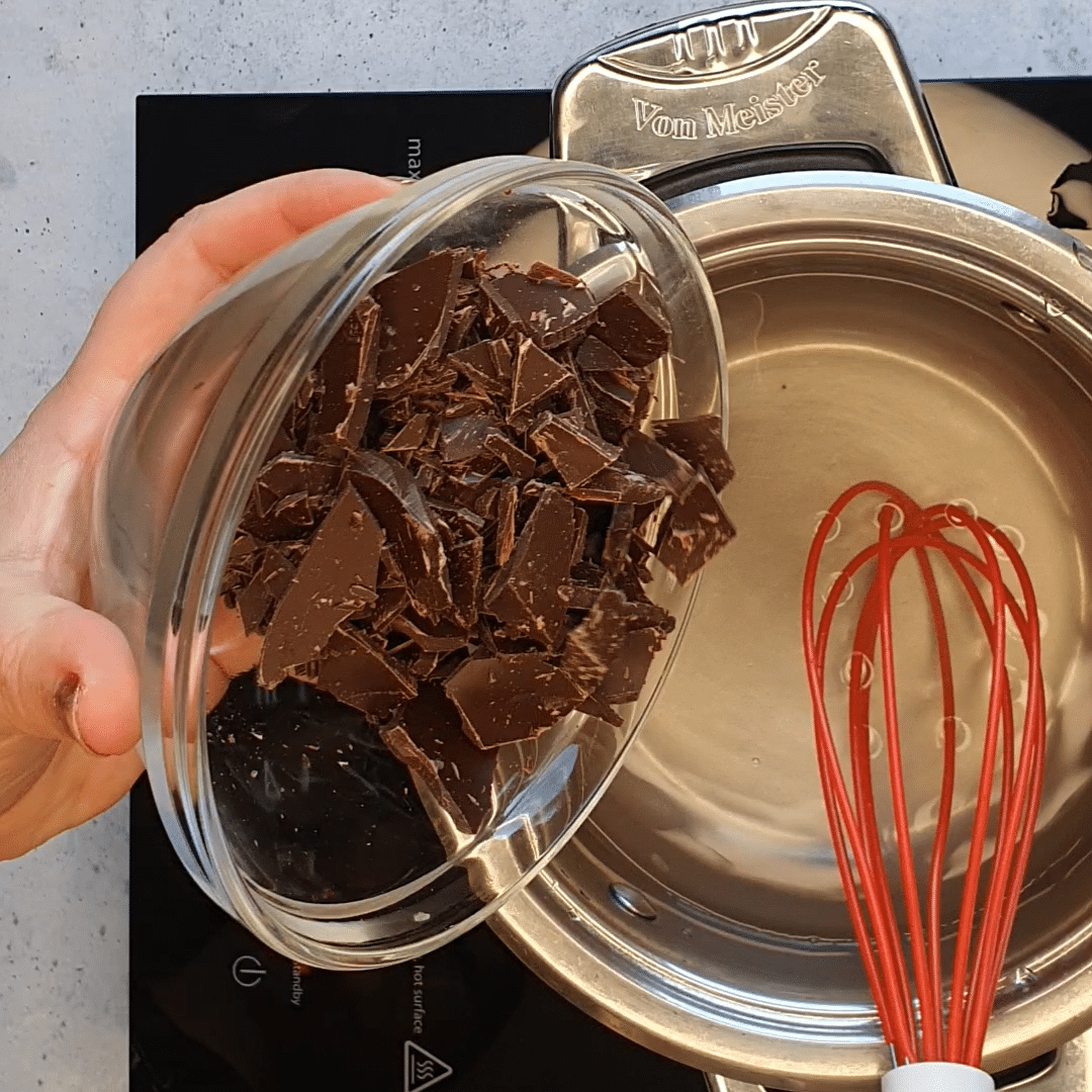 Torta all'acqua e cioccolato fondente