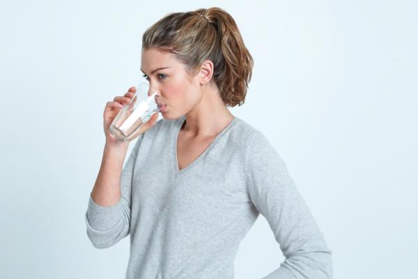 L'acqua: un aiuto fondamentale per liberarsi dalla cistite